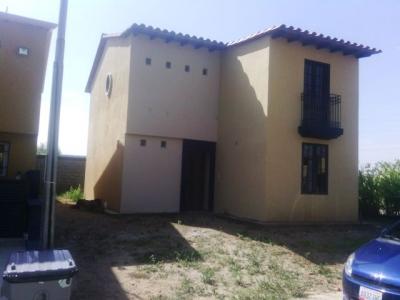 TOWN HOUSE EN VENTA A ESTRENAR EN ALTO BARINAS SUR
