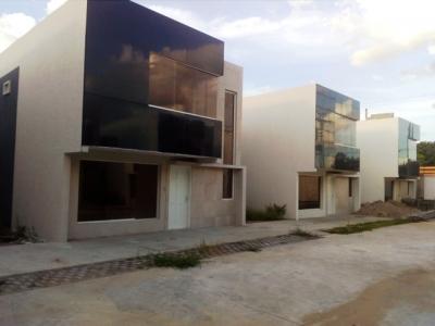TOWN HOUSE EN VENTA A ESTRENAR EN ALTO BARINAS SUR, CONJUNTO CERRADO