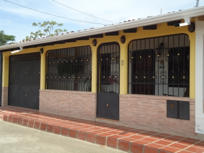 En Venta Bonita Casa con terreno Anexo de 900 mts2.
