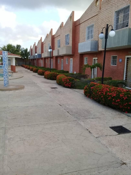 Ciudad Flamingo - Casas o TownHouses