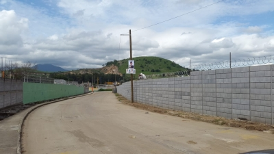 Terreno plano a 800 mts de Acceso a la VAS, ideal para Desarrollo