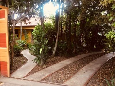 Preciosa casa en Venta por Brasil de Mora MLS 17-1101