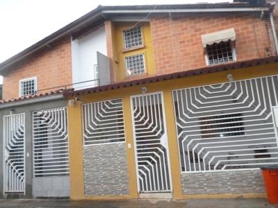 Venta de Casa Ubicada en Prados de La Encrucijada Cagua Edo Aragua