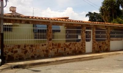 VENTA DE CASA EN URBANIZACIÓN EL CARMEN CAGUA. EDO. ARAGUA