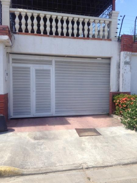VENTA DE CASA EN CAGUA, URB CORINSA