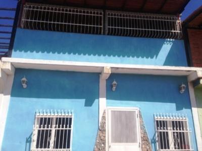 VENTA DE CASA EN CAGUA, URB. PRADOS DE LA ENCRUCIJADA
