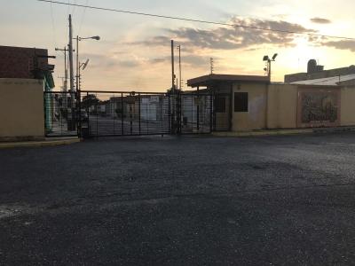 Oportunidad de Inversión – Casa a Remodelar en Urb. Privada – Cagua