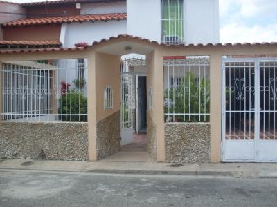 En venta casa en Cagua, Ciudad Jardín, Excelente oportunidad