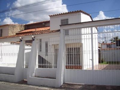 En venta casa en UrB,.  Ciudad Jardin Cagua  Aragua