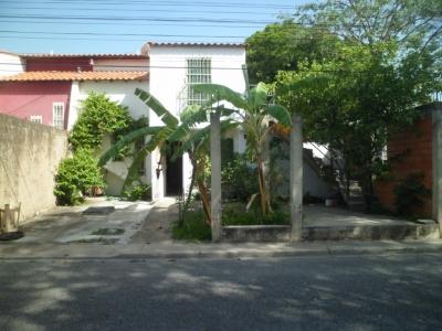 Townhouse en Ciudad Jardín - Cagua - oportunidad de Inversión.