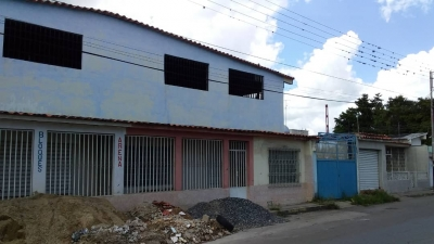 Venta Casa con Opcion a Local Cagua Estado Aragua