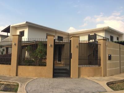 Bella Casa en Urb. Corinza Colonial, Cagua
