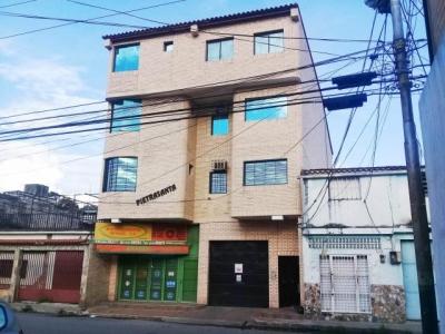Apartamento en venta en Centro de Cagua