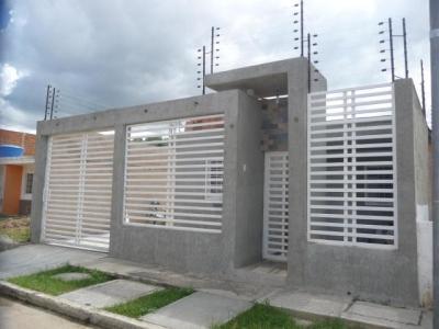 Venta de Casa en Cagua, Urb. La Ciudadela. Aragua hei