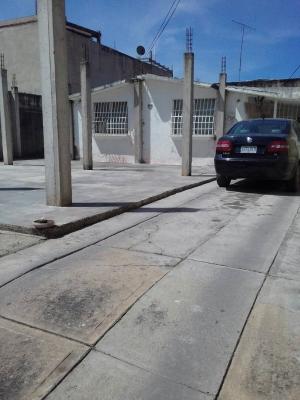 Cagua  Urb Corinsa  Venta  Quinta  plena avenida  REMATE