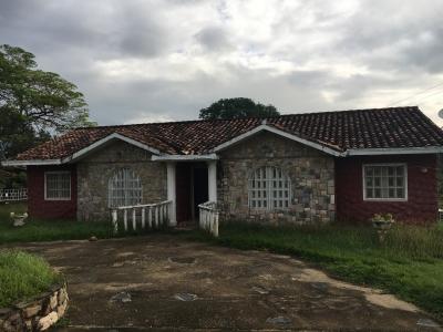 SE VENDE CASA EN SAFARI CARABOBO COUNTRY CLUB