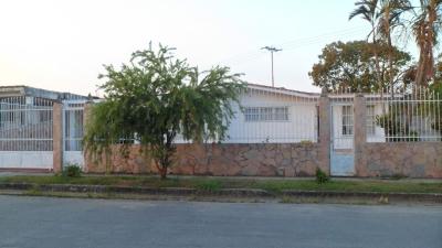 VENDO CASA EN URB. EL MOLINO.TOCUYITO-CARABOBO