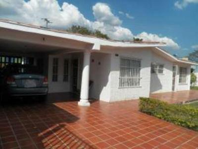 Amplia casa en Urb. El Molino, Tocuyito