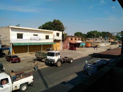Local Comercial En Venta En Parroquia Tocuyito Código: 19-131