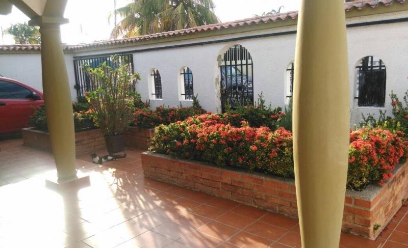 Amplia casa en venta en Ciudad Alianza