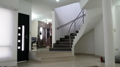 Casa en urbanización Villa Paraíso