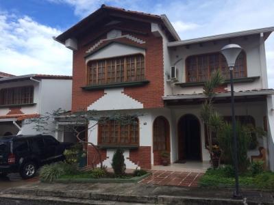Hermosa Casa Urb. Trebol II Pueblo Nuevo