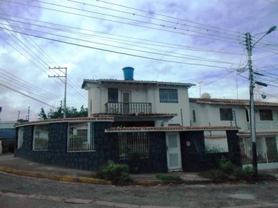 Casa esquinera, Av. ferrero Tamayo