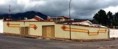 CASA QUINTA EN LA URBANIZACION LOS NARANJOS