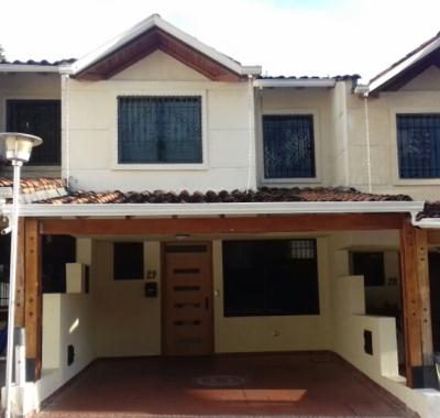 Casa en Venta en San Cristóbal, Las Acacias