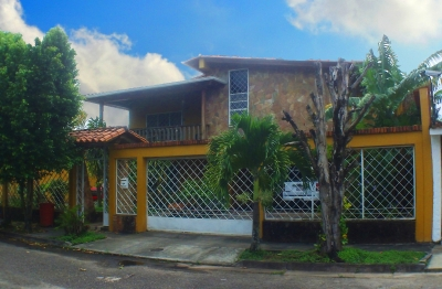 Casa en Venta en San Cristóbal, Urb Altos de Pirineos Exclusiva!!