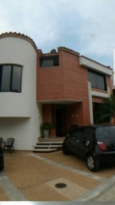 Casa en la urbanizacion TREBOLINA muy lujosa