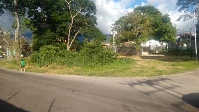 Terreno Para Uso Comercial en San Crisctobal con Excelente Ubicacion