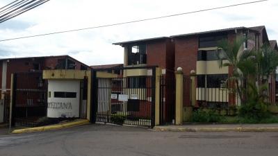 Apartamento en urbanización privada, zona de La Castellana