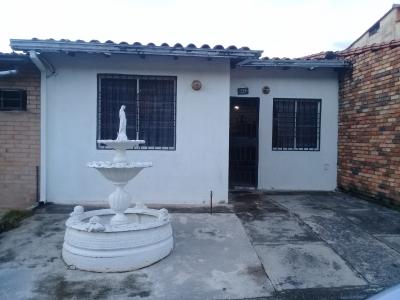 Casa en urb Villa Sol