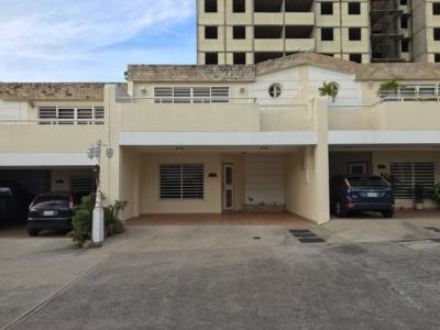 Casa (200Mts2) en Urb La Fontana