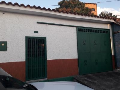 Casa A Pie De Calle en Pueblo Nuevo