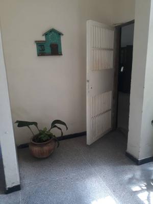 Apartamento semi amoblado en el centro de San Cristobal