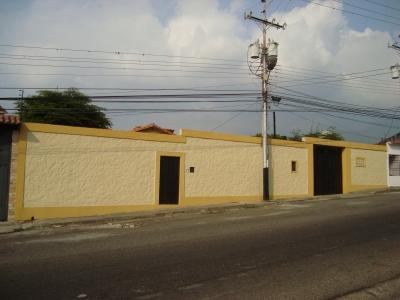 Casa de un solo Nivel ubicada en el Barrio El Lobo