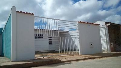 Venta de Casa a estrenar en Urb Villas Garban El Tigre Edo Anzoategui
