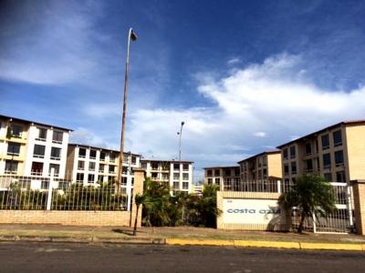 Vendo Apartamento C.R. Costa Azul, Urb. El Caimito, Puerto Ordaz.