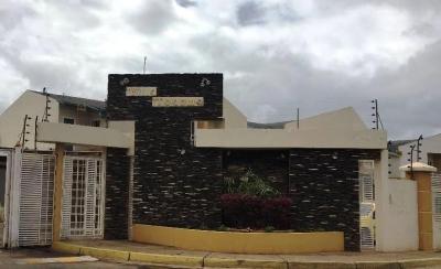 Venta de Town House ampliado y listo para habitar Urb Villa Tocoma Pto Ordaz