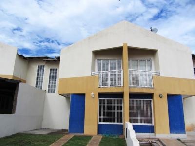 Vendo Town House Villa Tocoma II Urb. El Tiamo.