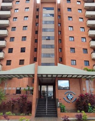 Se alquila apartamento Res. Braga Park Urb Los Samanes