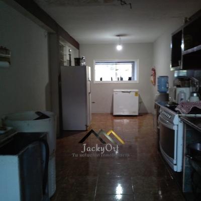 Casa de esquina en Sierra Parima