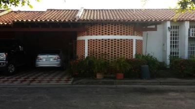 Se Vende Casa en Urb. Villa Náutica