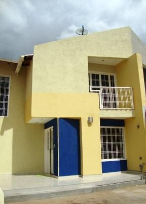 Venta de Town House listo para habitar Urb Villa Tocoma
