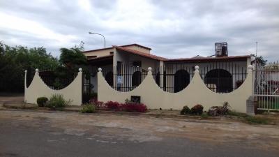Vendo Casa C/Apto. Tipo Duplex Independiente