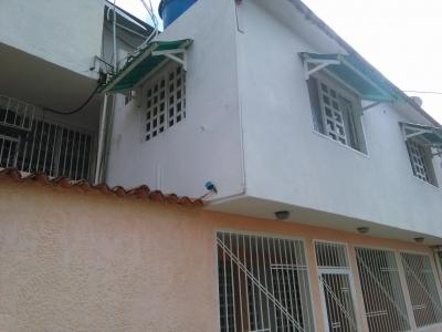 Cómodo anexo ubicado en la Urb. Sur Aeropuerto, Unare II, Puerto Ordaz.