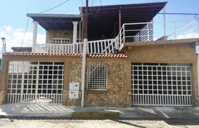 Se vende casa en Puerto Ordaz Avenida Paseo Caroni Sierra Parima