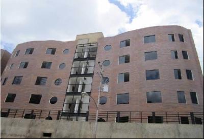 Se vende apartamento en Res. Los Tulipanes, Urb. Rio Negro.